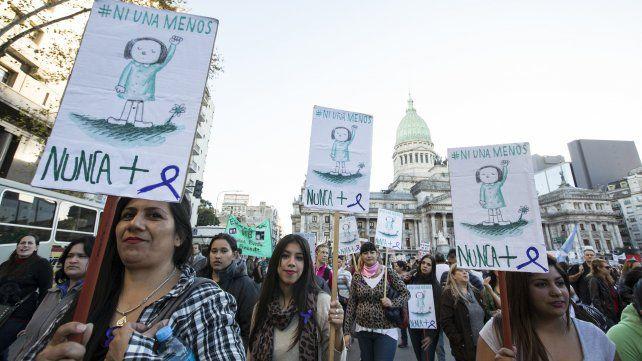 El 97 por ciento de las mujeres fueron acosadas y el 17 por ciento violadas, según informe de Ni una menos