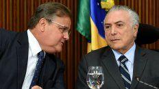 Complicados. La renuncia del influyente negociador con el Congreso, Geddel Vieira Lima, complicó a Temer.