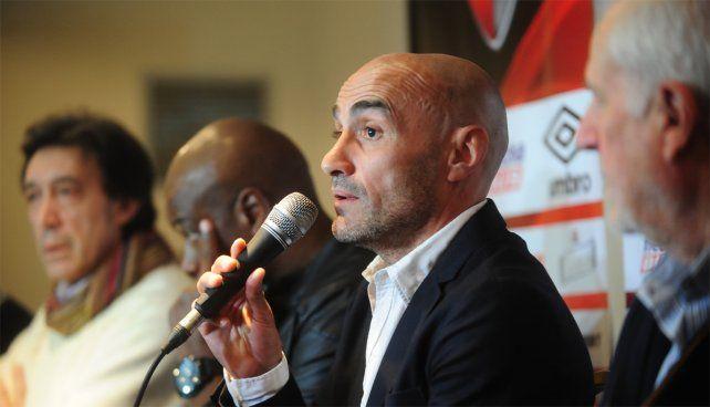 Paolo Montero elogió el juego de Newells y a Maxi Rodríguez.