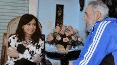 Poco antes de concluir su mandato, Cristina Kirchner visitó a Fidel en Cuba.