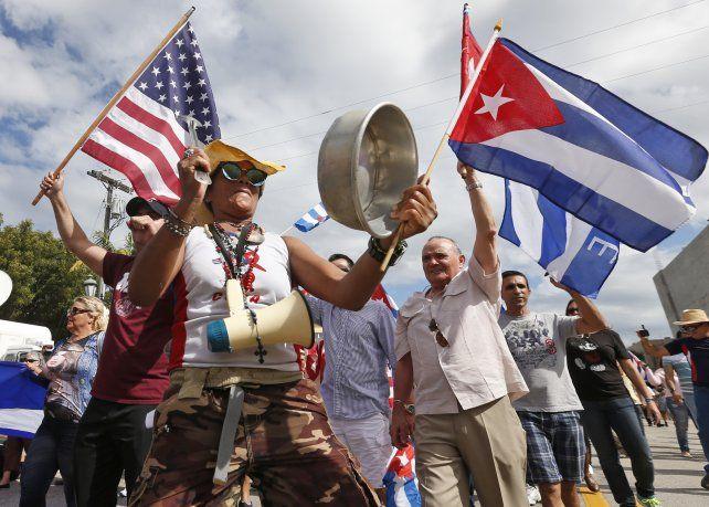 Los cubanos residentes en Miami celebraron en la famosa Calle 8 de Miami.