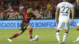 Nacho maniobra ante un rival.