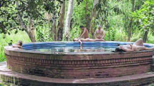 Las decentes. El filme del director argentino Lukas Valenta Rinner fue rodado en Palos Verdes, en el club nudista de Moreno, 40 hectáreas de bosques al aire libre.