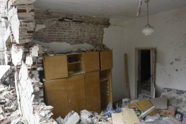 Destrucción. Los habitantes de la zona aún no pueden volver a sus casas.