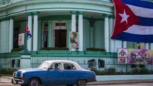 La mañana siguiente. Banderas y afiches de Fidel adornaron las calles de La Habana tras su deceso.