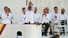 Encuentro. Macri participa en Cartagena de Indias junto a Raúl Castro de la firma del acuerdo de paz con las Farc.