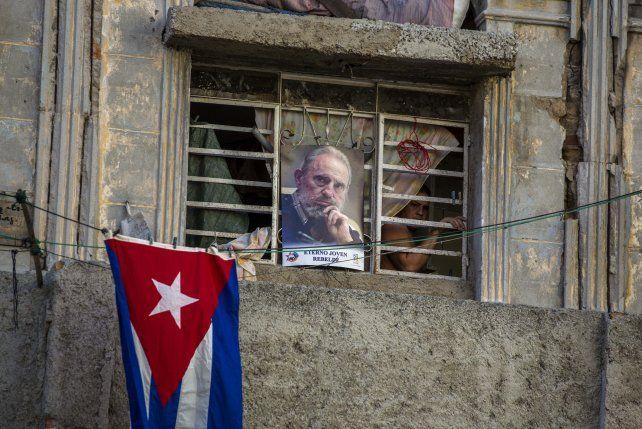 Vargas Llosa sostuvo que ahora comenzarán a resquebrajarse poco a poco las estructuras de dominación y control.