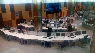 en Madrid. El centro de monitoreo y de llamadas de emergencia de la Policía Nacional de España.