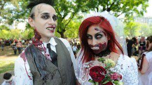 Una mulitudinaria caminata zombie pobló las calles porteñas por una causa solidaria