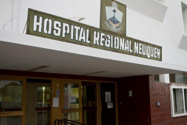La mujer permanece internada en el Hospital Regional de la capital provincial.