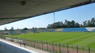 Postal de la cancha. Fue inaugurada hace 35 años y Sportivo Patria (Federal A) hace las veces de local.