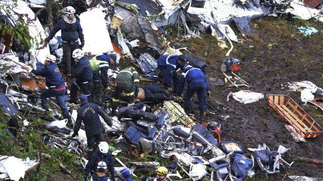 Al menos 71 muertos y cinco heridos en la tragedia del avión de Chapecoense en Colombia