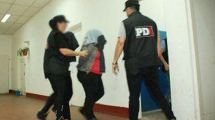 Una de las mujeres detenidas esta mañana en la zona sur de Rosario.