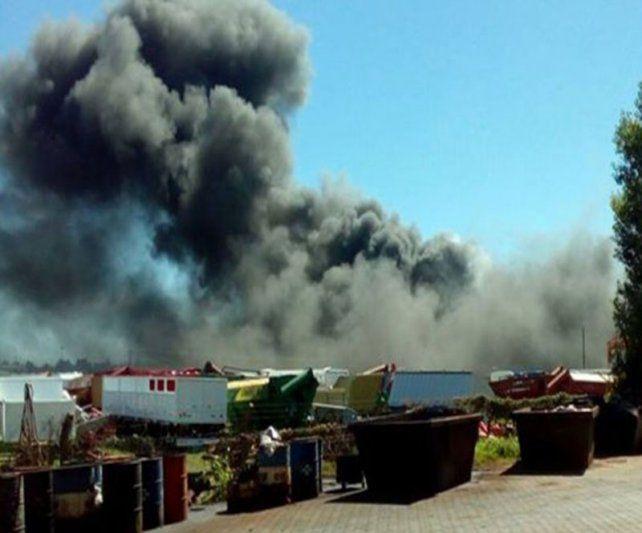 Las imagenes muestran la dimensión de la explosión en la fábrica Ombú