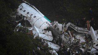 El desesperado pedido del primer sobreviviente de la tragedia aérea de Colombia