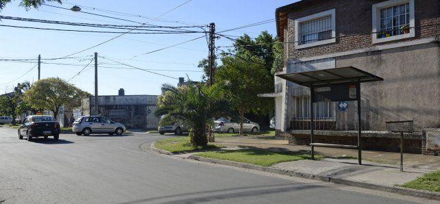 El lugar. María Celeste esperaba el 141 en la esquina de Tucumán y Rouillón cuando fue brutalmente atacada.