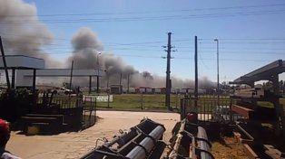 Humo y Fuego. Extinguieron el incendio tras una hora y media de ardua labor.