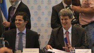 Exposición. El ministro Prat Gay concurrió junto al jefe de la Afip a la comisión de Presupuesto y Hacienda.