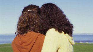 la justicia autorizo a una mujer a casarse con la hija de su esposo fallecido