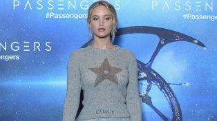 La bella Jennifer provocó comentarios a favor y en contra por su llamativo look.