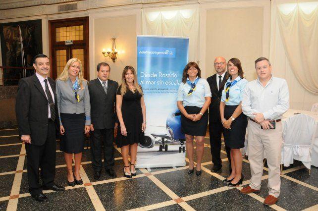 Las autoridades de Aerolíneas Argentinas en la presentación de los vuelos de temporada.