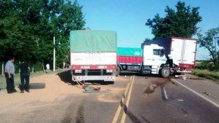 Tres camiones protagonizaron un espectacular choque en plena ruta 9