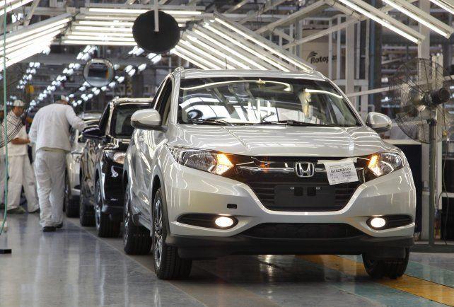 En picada. La producción de autos cayó 19