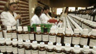 ¿Placebo? En Argentina no hay venta libre de remedios homeopáticos sino que son producidos por algunas farmacias.
