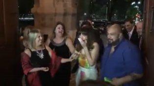 Mercedes Velan llega a la iglesia de Barracas y se entera que la novia de la boda era ella.