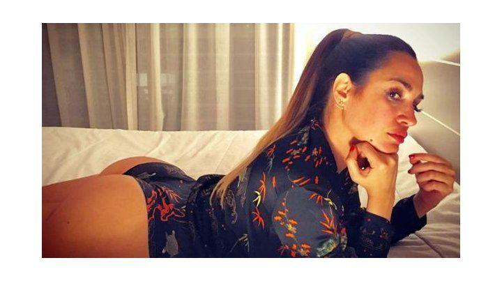 Belén Francese imitó a Jennifer López en una pose súper sensual