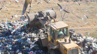 Residuos. La ciudad envía en la actualidad unas 800 toneladas por día al relleno sanitario de Ricardone. Ahora el Ejecutivo firmó un nuevo contrato por otros cuatro años y necesita el aval del Concejo.