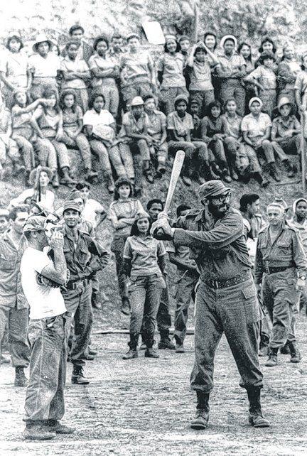 Protagonista de la historia. Castro con sus hombres en Sierra Maestra.