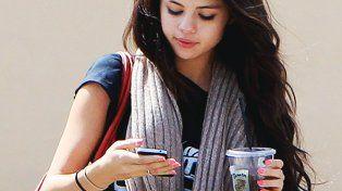 Selena Gómez reveló las sensaciones de vivir durante 90 días sin usar el celular