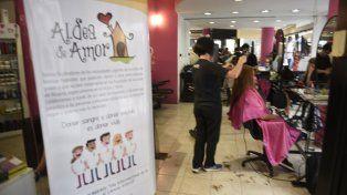 La peluquería de Entre Ríos y Santa Fe recepcionará juguetes mañana de 9 a 20.