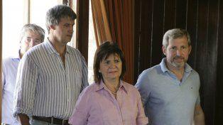 La ministra de Seguridad Patricia Bullrich habló en conferencia de prensa junto a Alfonso Prat Gay y Rogelio Frigerio.