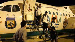 El vuelo que se estrelló en Colombia había trasladado a la selección argentina a Brasil.