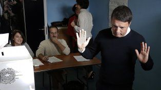 Matteo Renzi asumió toda la responsabilidad y prometió dar un paso al costado.