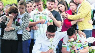 desgarrador. La ciudad meridional de Chapecó llora a sus jugadores, dirigentes y periodistas fallecidos.