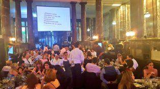 La cena de la UNR se realizó en el edificio del ECU.
