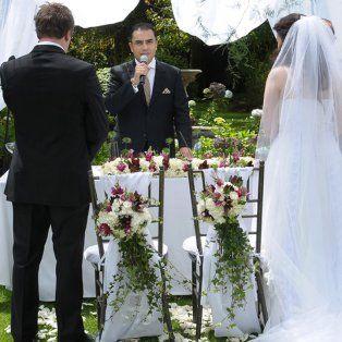 Quiso darle una sorpresa al novio en su boda y se mató antes de llegar al altar