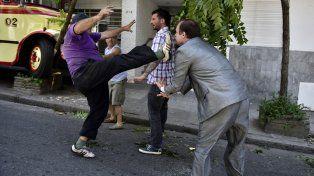 Dos hombres protagonizaron una brutal pelea por una discusión de tránsito