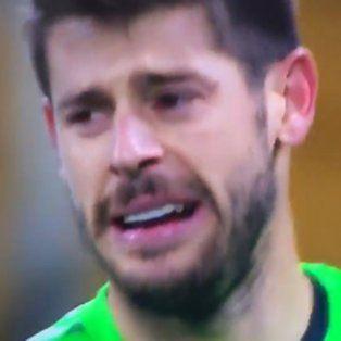 le metieron cuatro goles en un tiempo, no lo soporto y rompio en llanto
