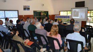 cónclave. La reunión fue en el cámpig Eva Perón, de Oliveros. Uno de los proyectos prevé una usina de energía.