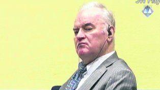 desprecio. Mladic, durante la audiencia de imputación en La Haya.
