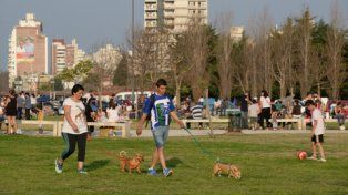 en los parques. Con los negocios cerrados, la gente aprovechará los espacios verdes de la ciudad.