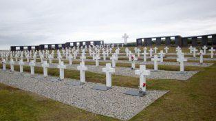 isla soledad. En Darwin hay enterrados 234 soldados argentinos.