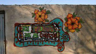 Mural pintado en una de las casas del barrio de la zona sur.