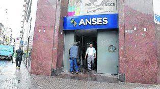 El edificio local de Ansés. (Foto de archivo)