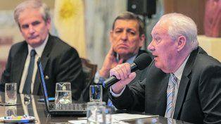 Lamberto. La normativa permitirá reducir los extensos informes.