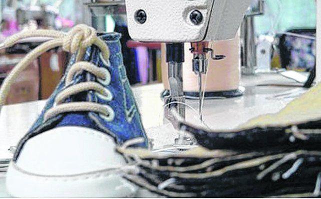 Últimos pasos. La industria de calzado para bebés Primeros pasos de Zavalla cerró a principios de mes y despidió a sus 15 trabajadores.